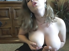 Don't be Shy for Big Tits Girl